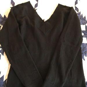 SMART SET Black Double V-neck sweater
